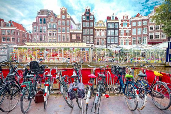 Flower-market-in-Amsterdam-min