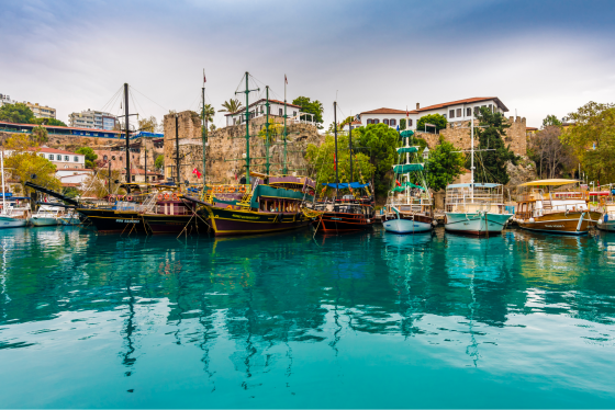 Ships-in-the-old-harbour-in-Antalya