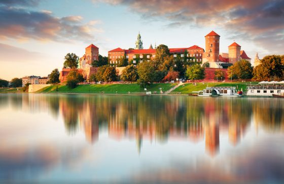 Wawel-hill-with-castle-in-pink-light-of-sunset