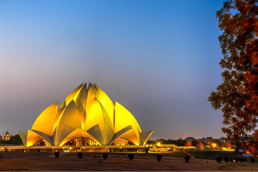 striking-architecture-lotus-temple-nine-sides