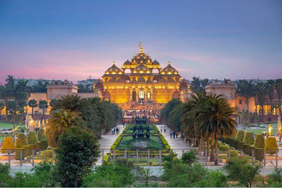 akshardham-temple-night-delhi-india.jpg