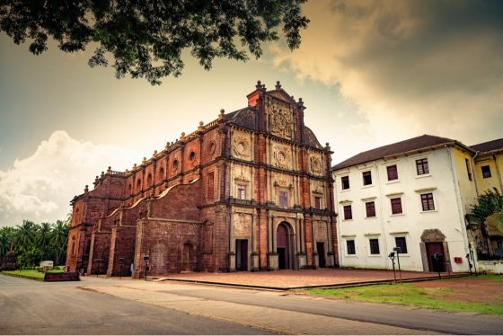 ancient-basilica-bom-jesus-church-goa.jpg