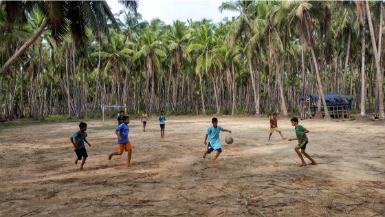 kannur-india-june-02-group-children.jpg