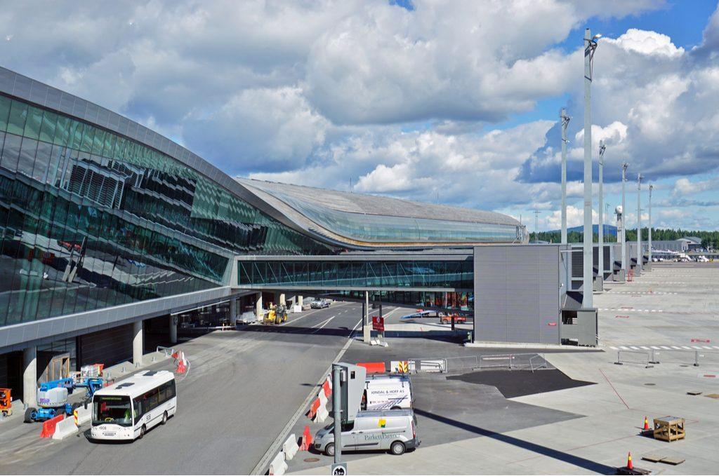 oslo-norway-10-august-2016-lufthavn.jpg