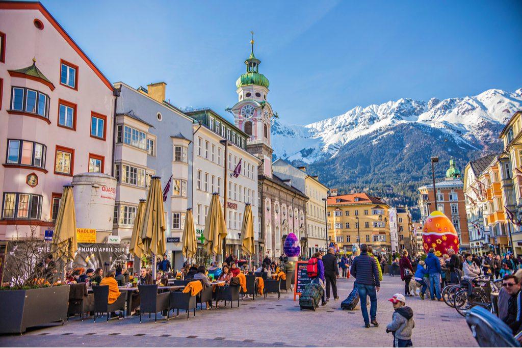 Innsbruck_oldtown.jpg