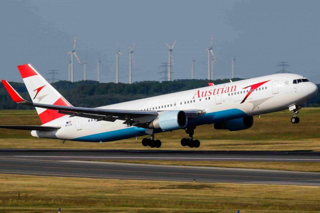 Austrian-Airlines-900-6001.jpg